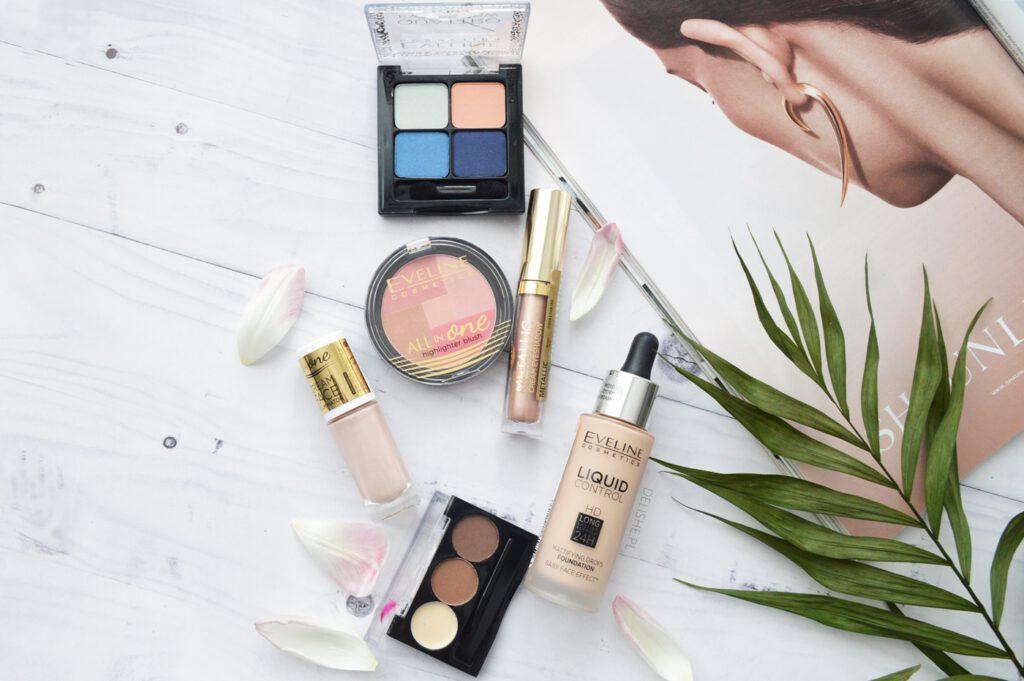 Comment utiliser nos cosmétiques différemment et changer l'angle de vue de nos routines de beauté et de maquillage